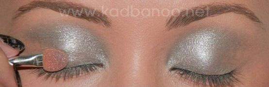 آموزش تصویری آرایش نقره ای و مشکی چشم