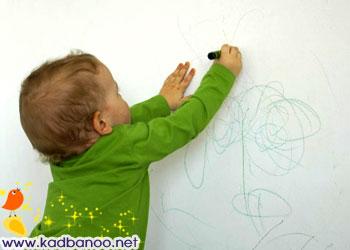 پاک کردن لکه خودکار از روی دیوار